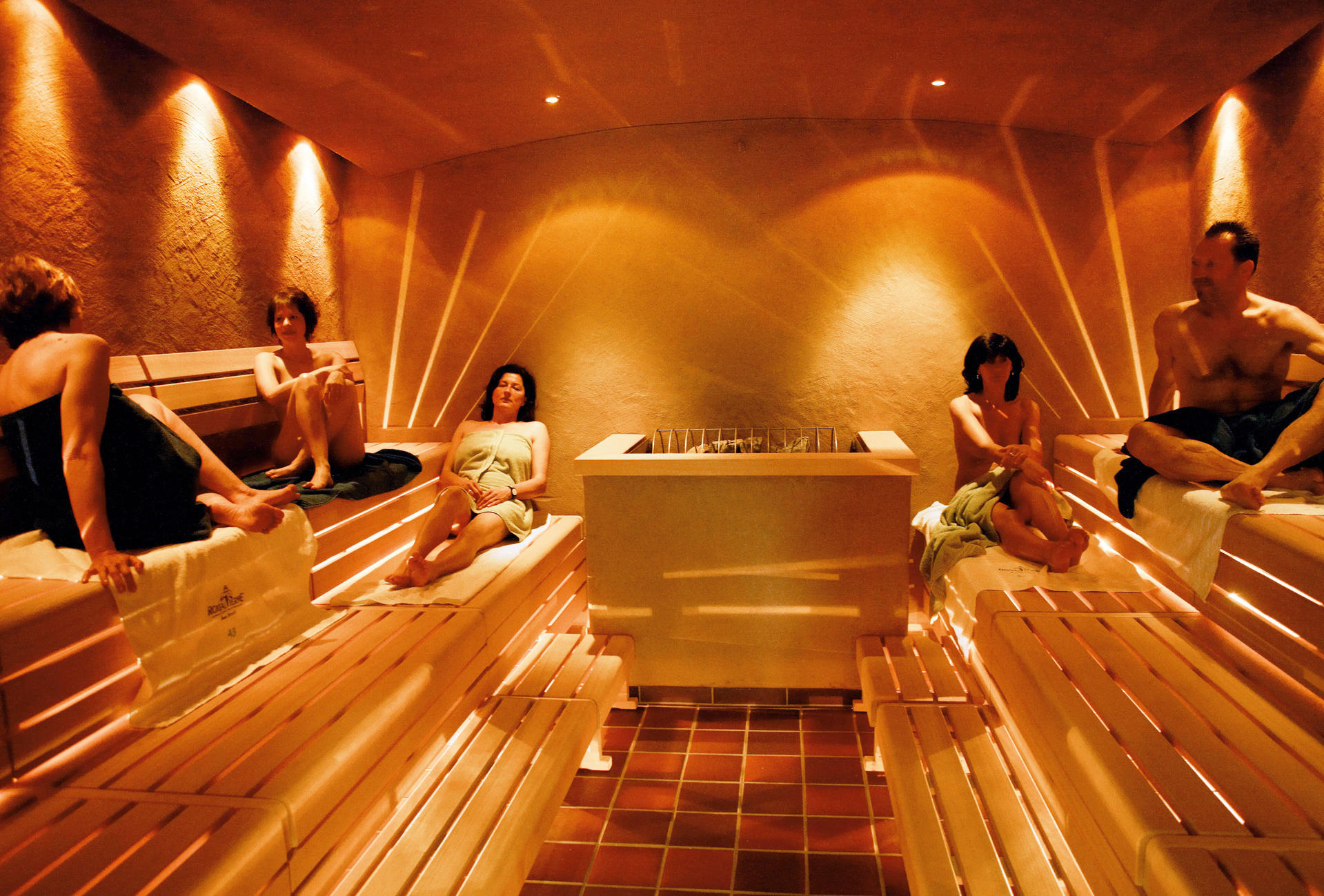 vitarium saunawelt rottal terme bad birnbach thermen bayern therme hotel mit bademantelgang. Black Bedroom Furniture Sets. Home Design Ideas
